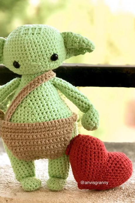 Amigurumi Pattern green alien baby - chubby amigurumi soft toy PDF tutorial file (English, Portuguese and Espanol)